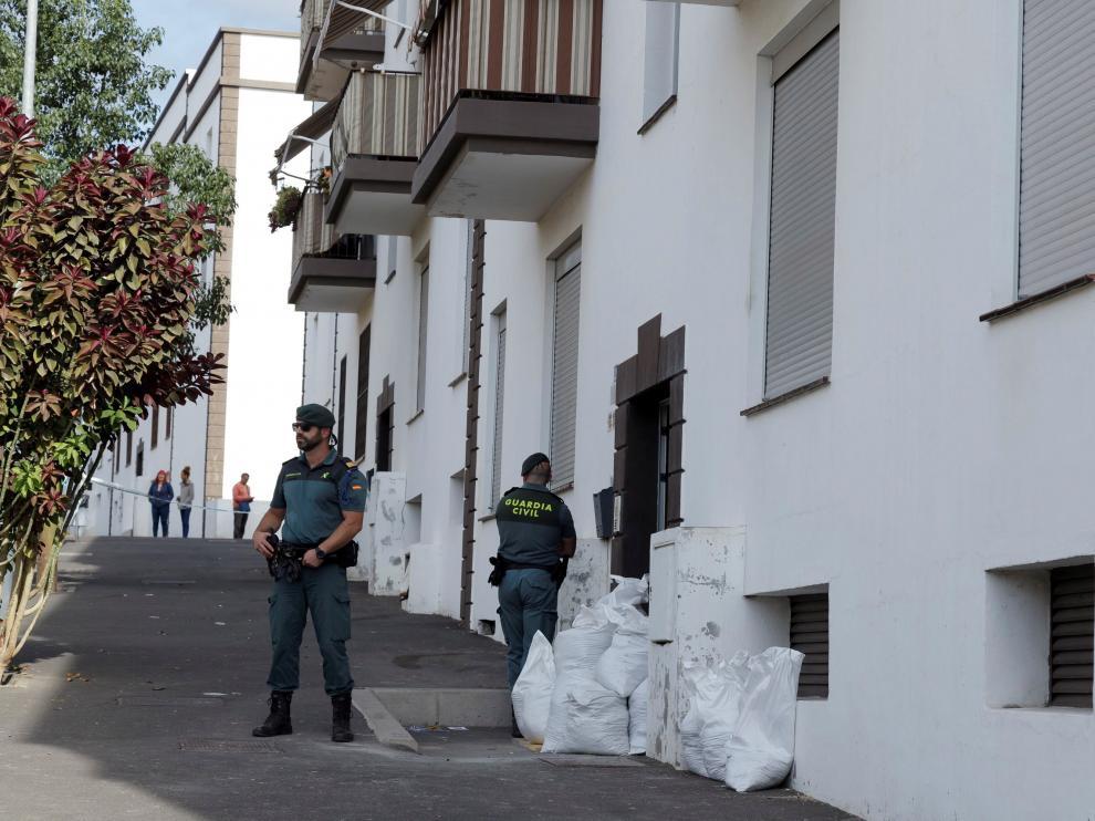 Imagen de la vivienda situada en San Isidro, en el municipio tinerfeño de Granadilla de Abona, en el que esta mañana de lunes.