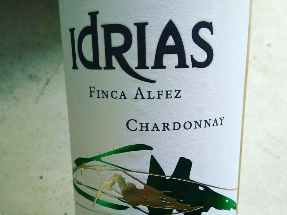 Etiqueta del vino blanco Idrias Chardonnay Finca Alfez 2019.