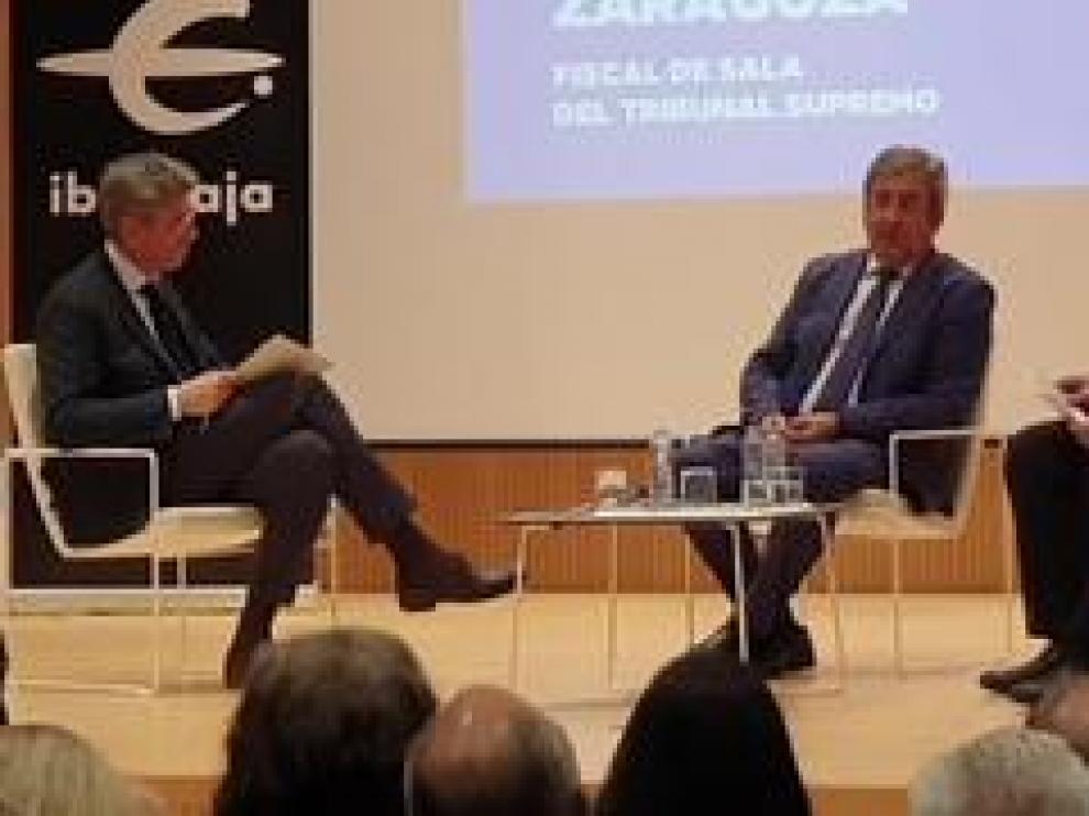 El fiscal de la sala del Tribunal Supremo, Javier Zaragoza, ha sido el protagonista de un acto organizado por HERALDO y la Fundación Ibercaja, que se ha celebrado este miércoles en el Patio de la Infanta de Zaragoza y en el que el fiscal ha analizado la sentencia del procés.