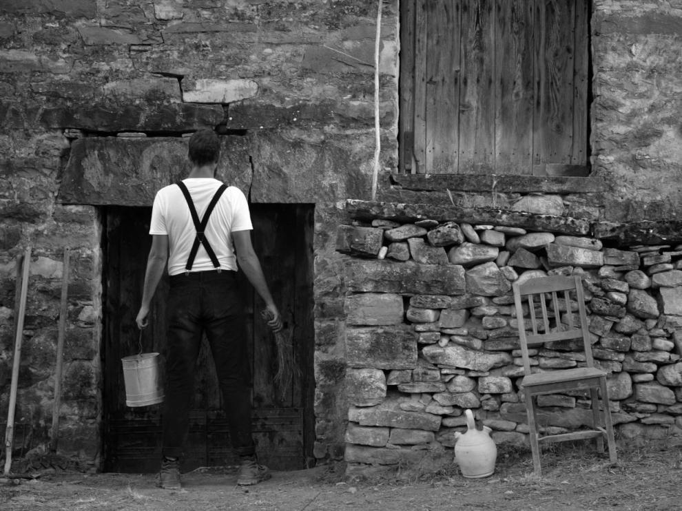 Fotograma del cortometraje 'La puerta', un cuento de brujas rodado en Sobrarbe, que se proyectará en las jornadas.