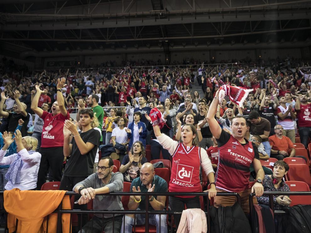 La afición, es el gran activo del Casademont Zaragoza. En la imagen, gradas llenas en el pasado partido contra el Barcelona Lassa