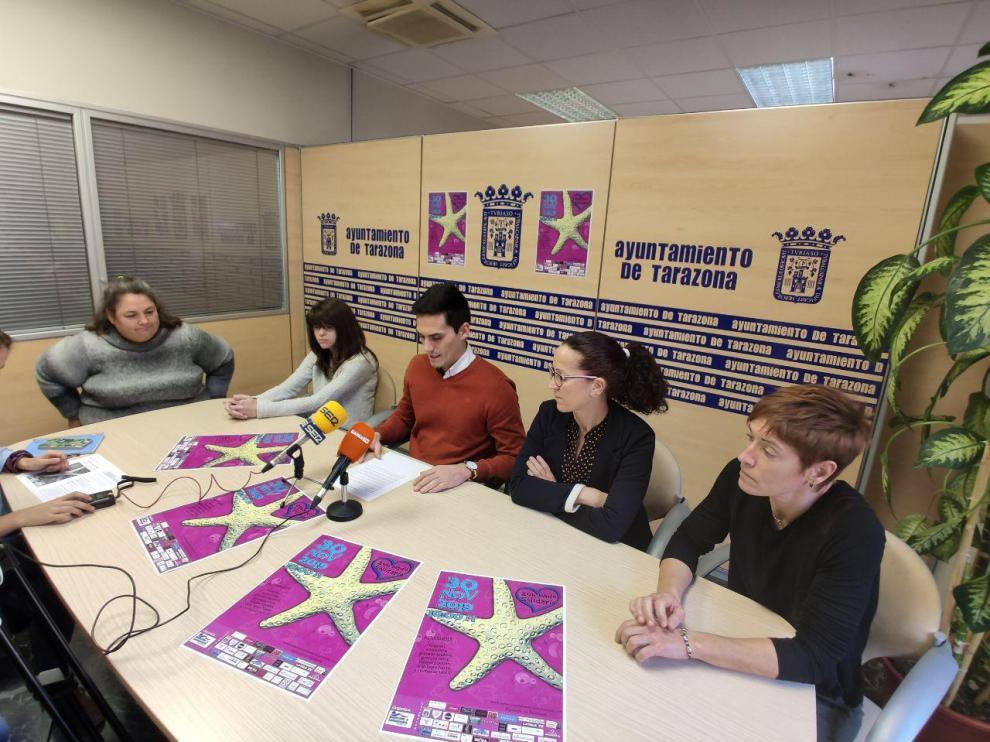 Rueda de Prensa de las 24 horas de nado solidario a beneficio de la Asociación Pierres