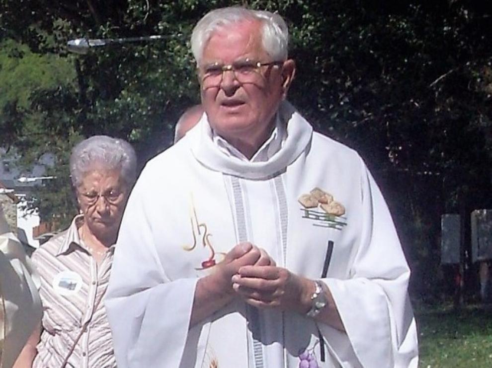 El sacerdote Ernesto Durán era socio de honor de la Asociación Guayente.