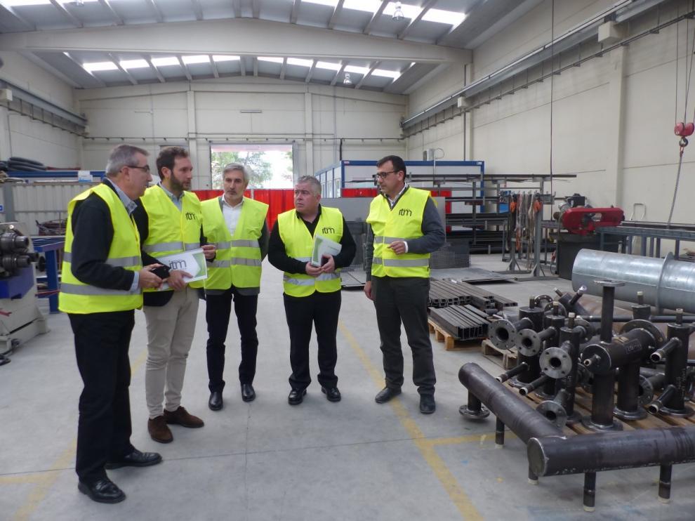 Imagen de la visita a las instalaciones de la empresa Intramesa de Monzón.
