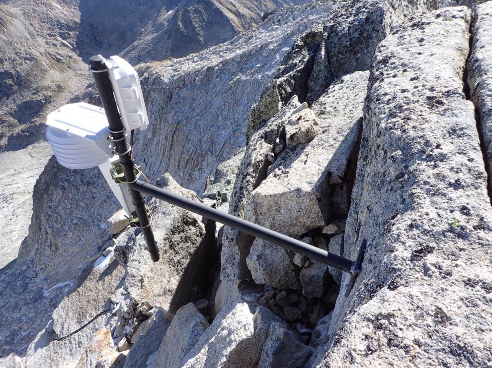 La sonda meteorológica está instalada en la vertiente de Barrancs, muy cerca de la cumbre del Aneto.