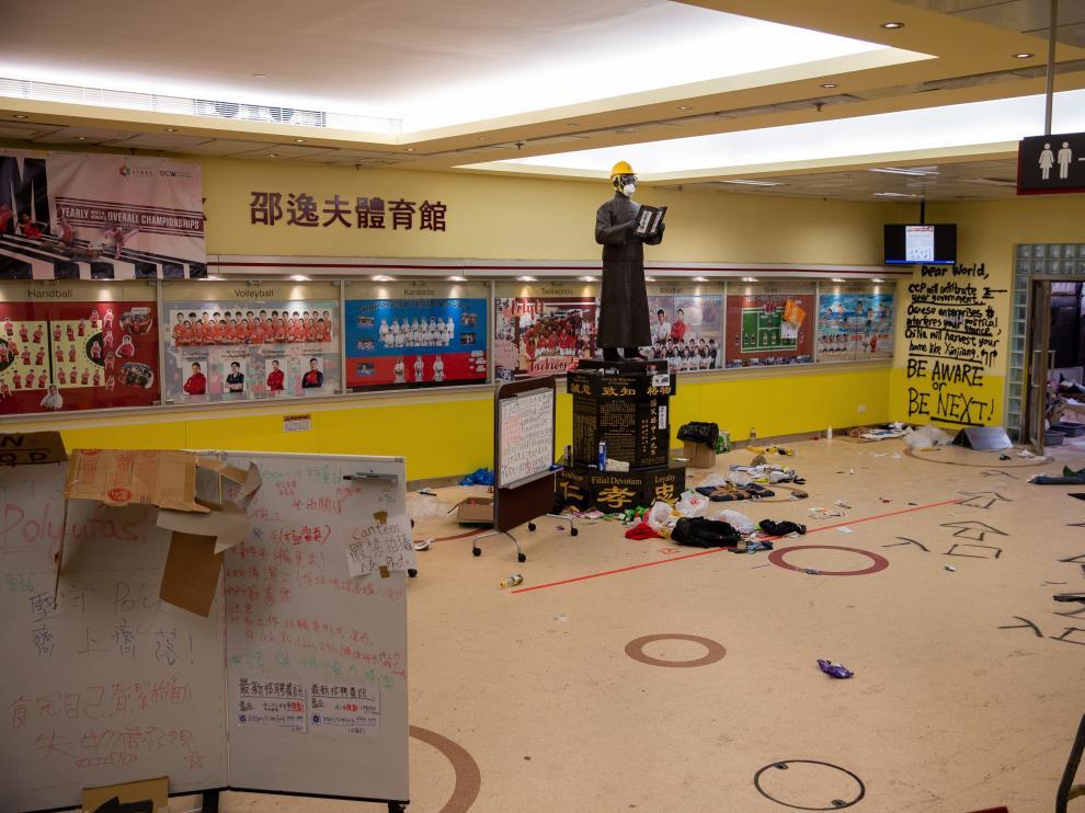 Una estancia de la universidad de Hong Kong, tras varios días de asedio.