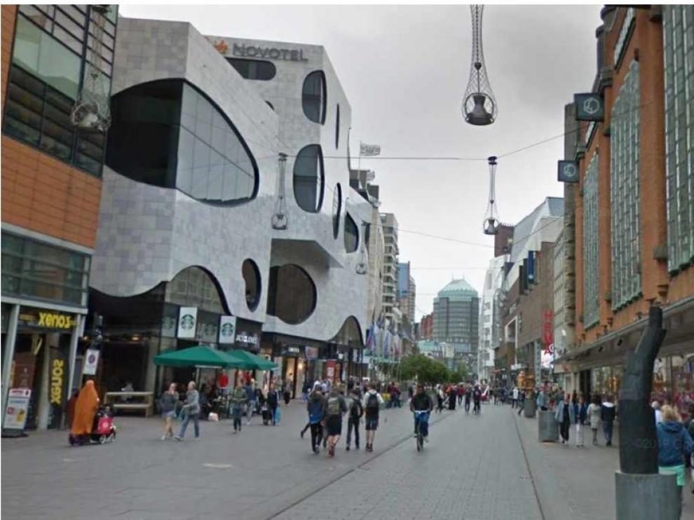 Calle Grote Markt, en La Haya, donde ha ocurrido el apuñalamiento.