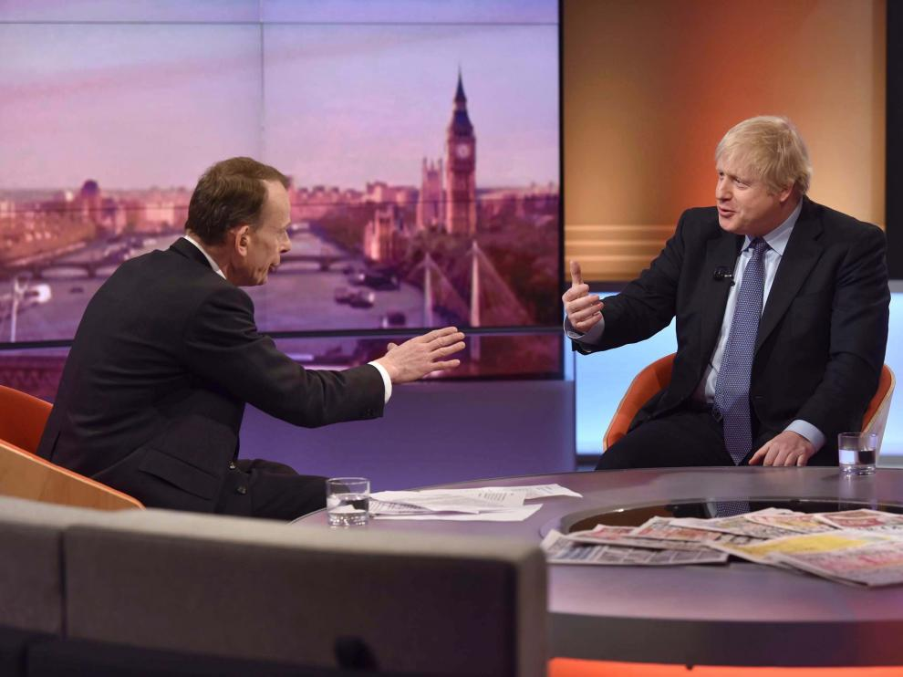 London (United Kingdom), 01/12/2019.- A handout photo made available by BBC shows Conservative Party leader and British Prime Minister Boris Johnson (R) talking with Andrew Marr (L), a Scottish political commentator and television presenter during BBC's Andrew Marr Show, Britain, 01 December 2019. Britons go to the polls on 12 December 2019 in a general election. (Elecciones, Reino Unido) EFE/EPA/JEFF OVERS / BBC / HANDOUT MANDATORY CREDIT: JEFF OWERS/BBC Not for use more than 21 days after issue. HANDOUT EDITORIAL USE ONLY/NO SALES British Prime Minister Boris Johnson at BBC's Andrew Marr Show