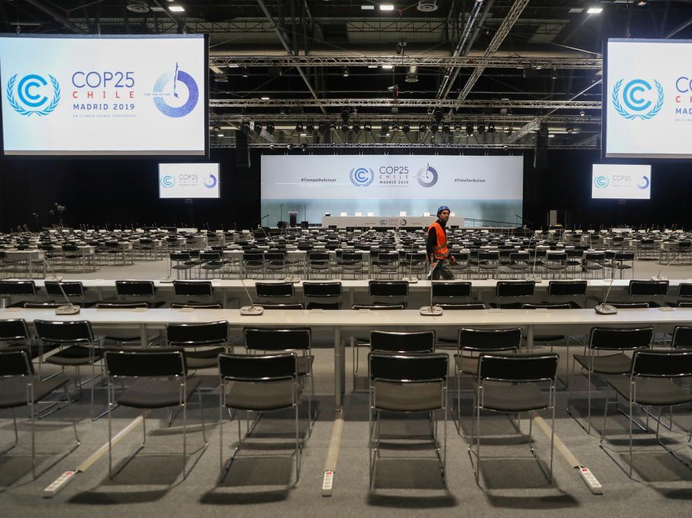 Salón de plenos recién instalado en el recinto ferial Ifema, en Madrid, para la COP25
