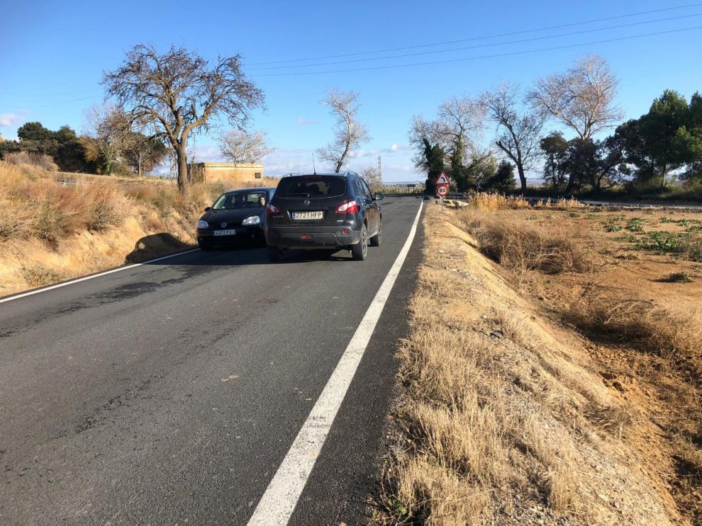Los vecinos reclaman la mejora de la carretera A-140.