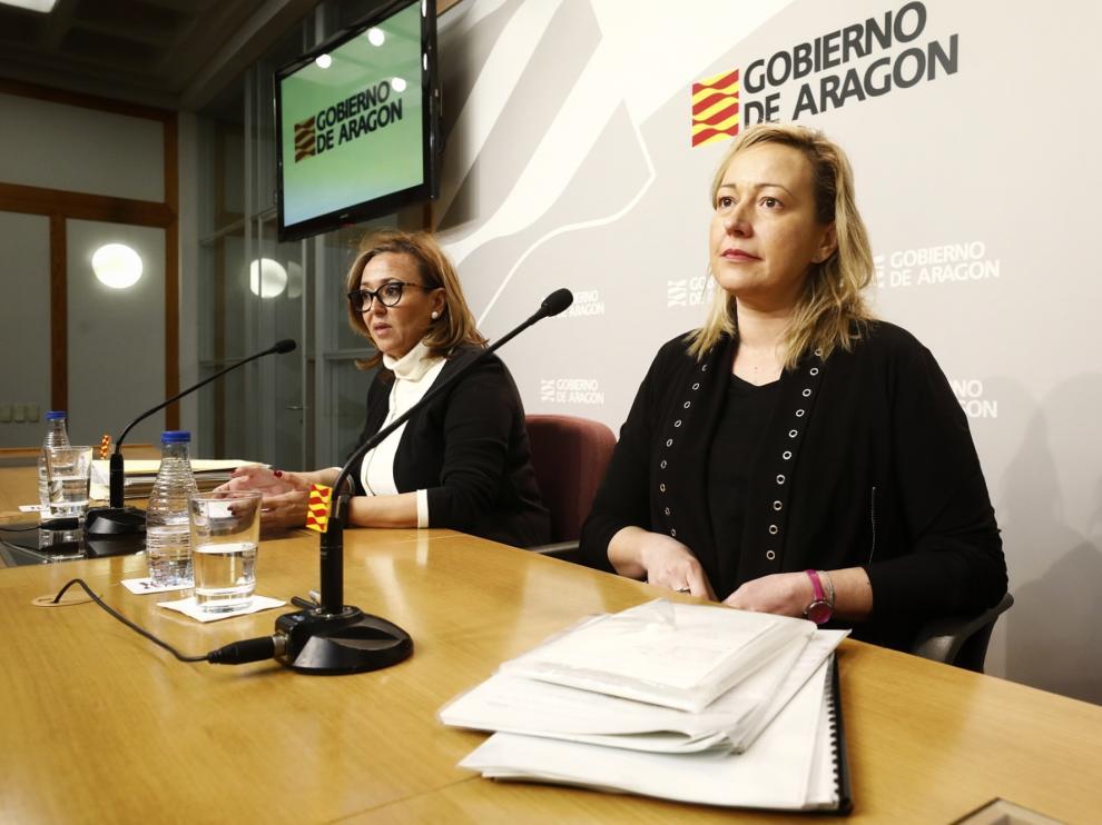 Las consejeras de Economía, Marta Gastón, y de Presidencia, Mayte Pérez, en la comparecencia posterior al Consejo de Gobierno, este jueves.