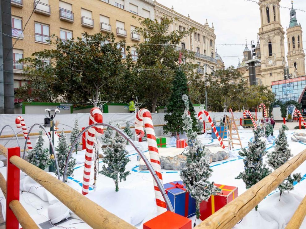 La Muestra Navideña en la Plaza del Pilar de Zaragoa ya está lista para su inauguración