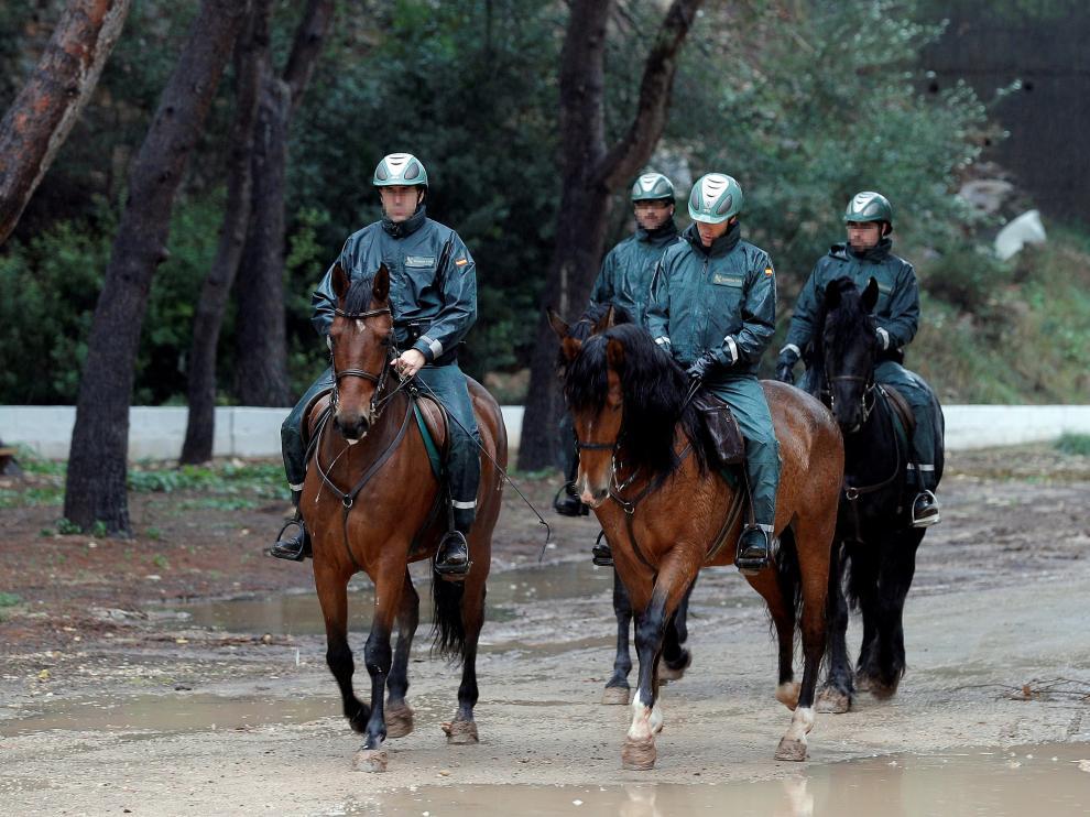 La Unidad Militar de Emergencias (UME) y el escuadrón de caballería de la Guardia Civil, se han incorporado este martes en la localidad valenciana de Manuel y sus alrededores a la búsqueda de la joven Marta Calvo.