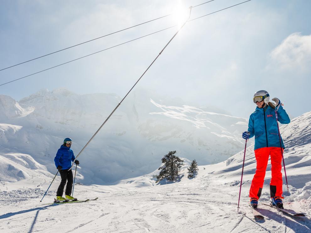 Los 390 kilómetros de esquí alpino y los casi 150 de nórdico de los centros invernales aragoneses serán de nuevo un reclamo turístico fundamental.