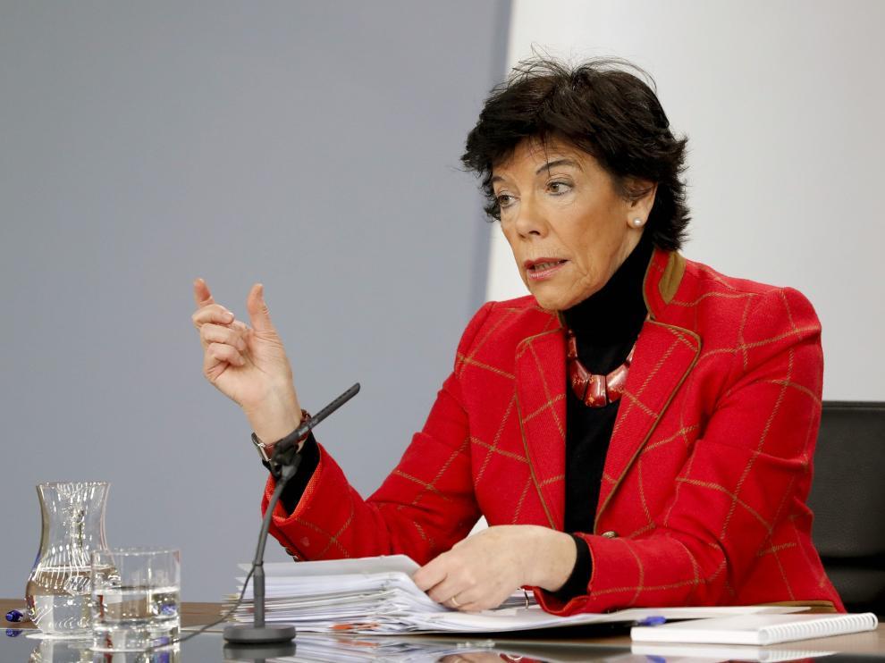 La portavoz del Gobierno en funciones, Isabel Celaá, en la rueda de prensa posterior al consejo de ministros