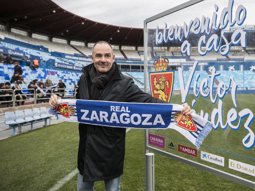 Víctor Fernández, el día de su presentación en esta tercera etapa al frente del Real Zaragoza: era el 18 de diciembre pasado, a la vuelta de Riazor, donde él estuvo en la grada.