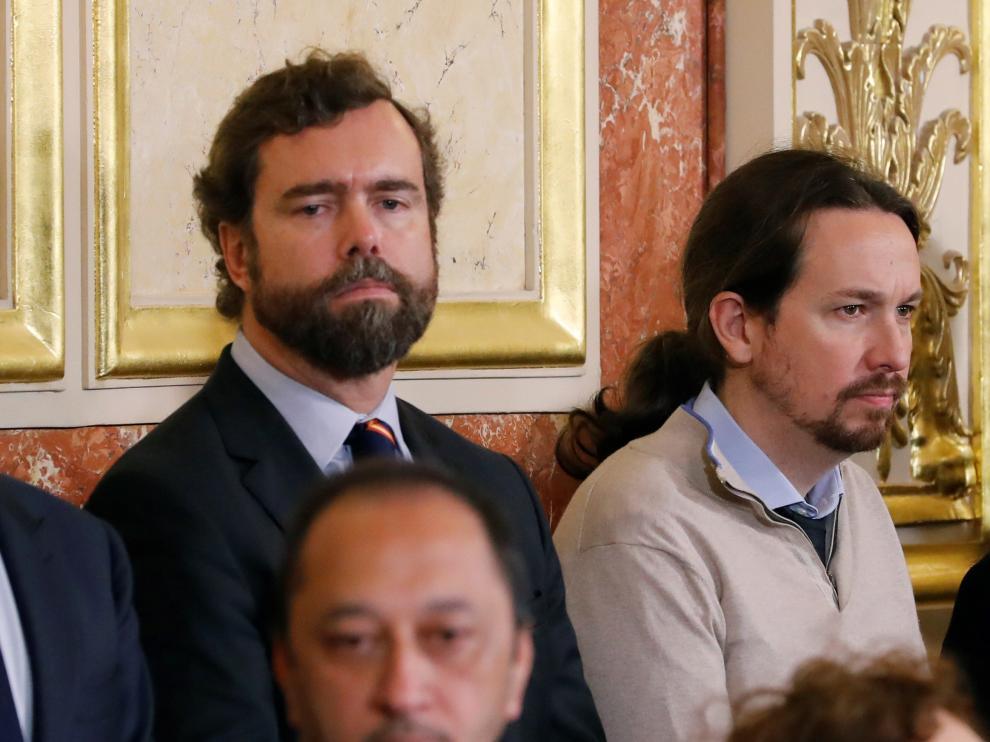 Pablo Iglesias junto al portavoz de Vox en el Congreso, Iván Espinosa de los Monteros.