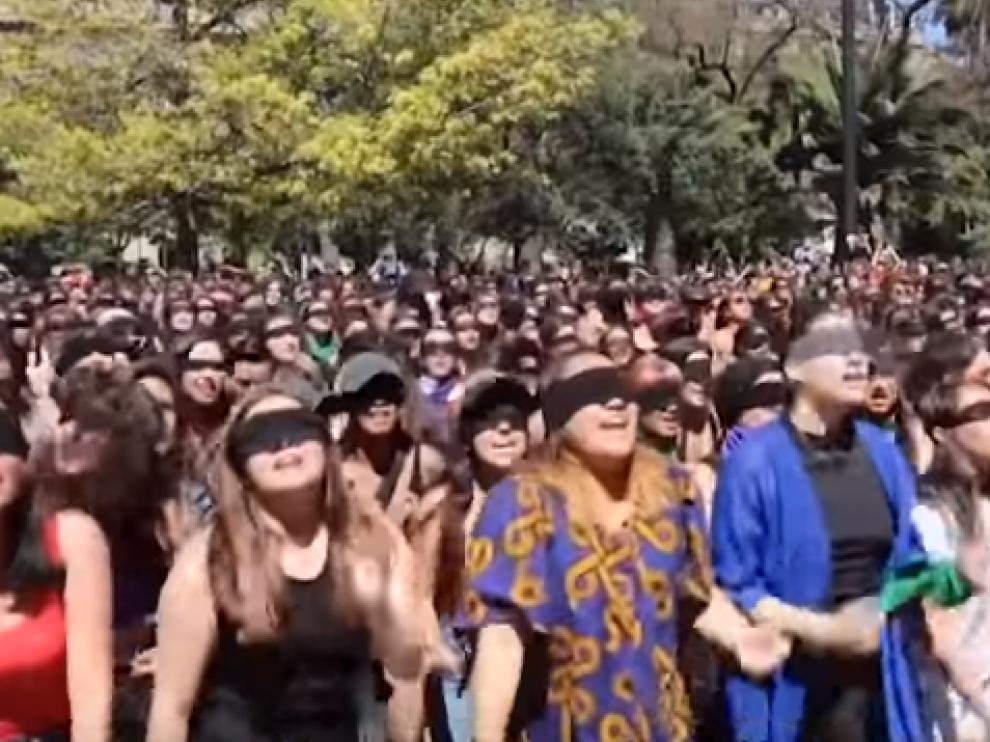 """Captura del vídeo """"Un violador en tu camino""""."""