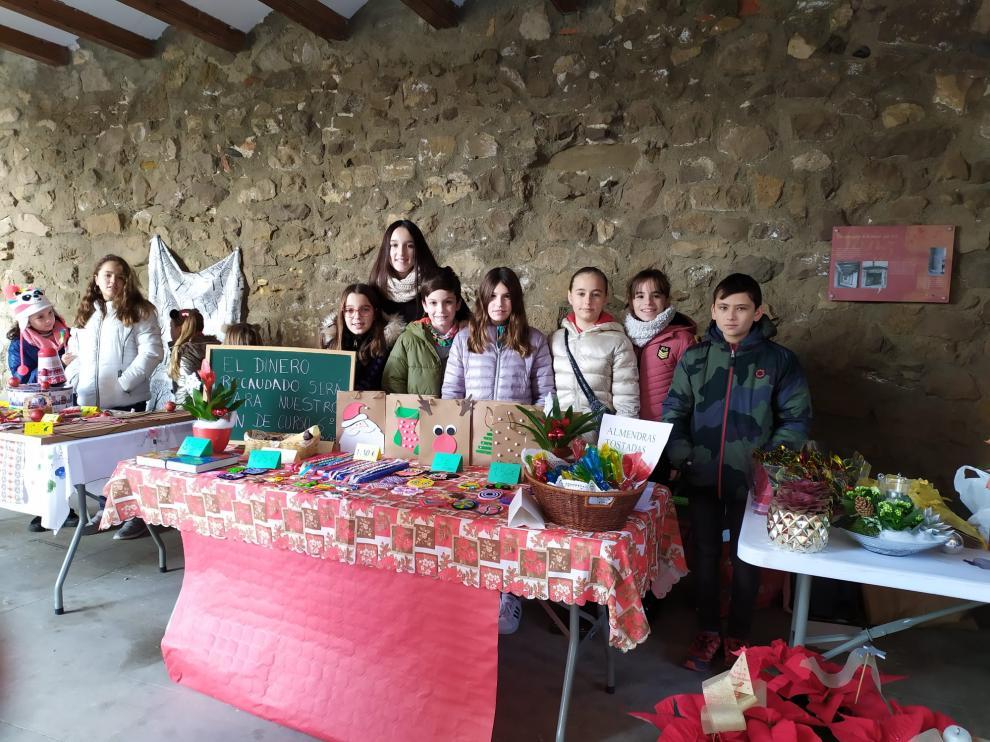 El mercado artesano inicia la agenda navideña en Fonz.