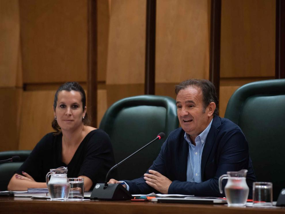 El concejal de Acción Social, Ángel Lorén, en la comisión de su Área.