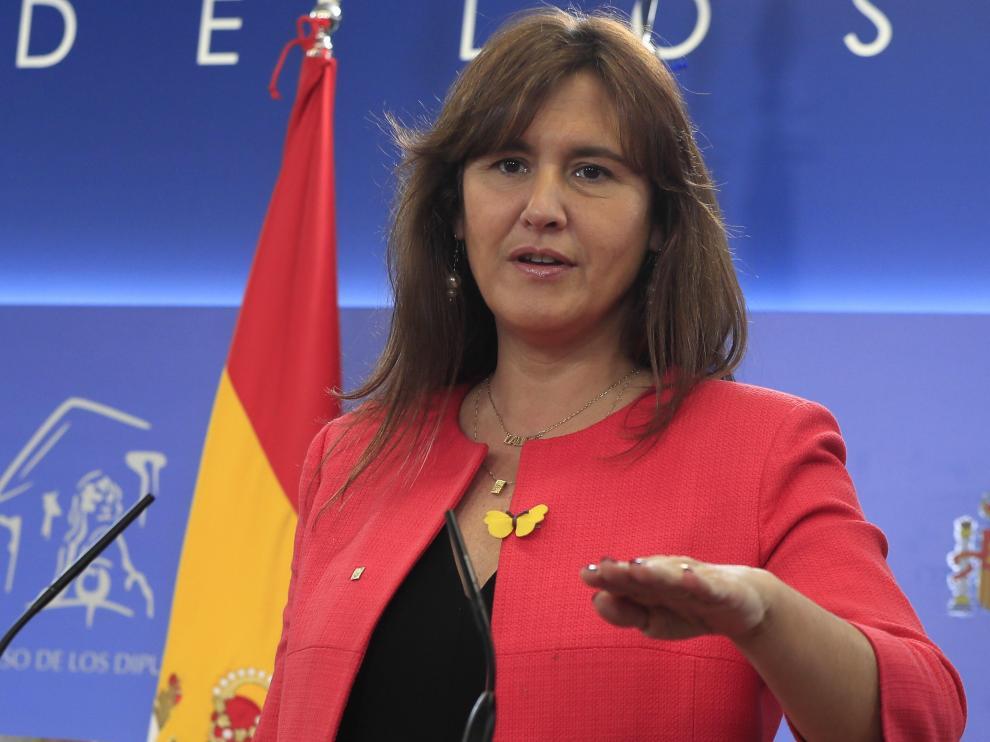 Laura Borràs en la rueda de prensa que ha ofrecido en el Congreso de los Diputados tras su reunión con el Rey.