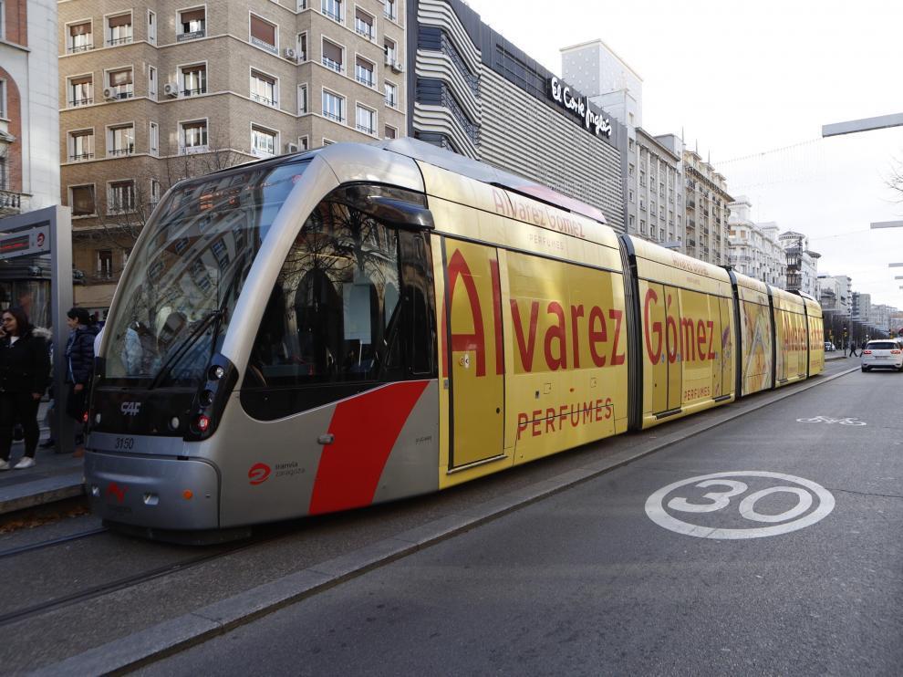 El tranvía de Zaragoza, en una imagen de archivo.