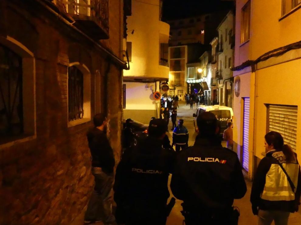 Las patrullas policiales por las zonas de ocio de Teruel se refuerzan estos días.