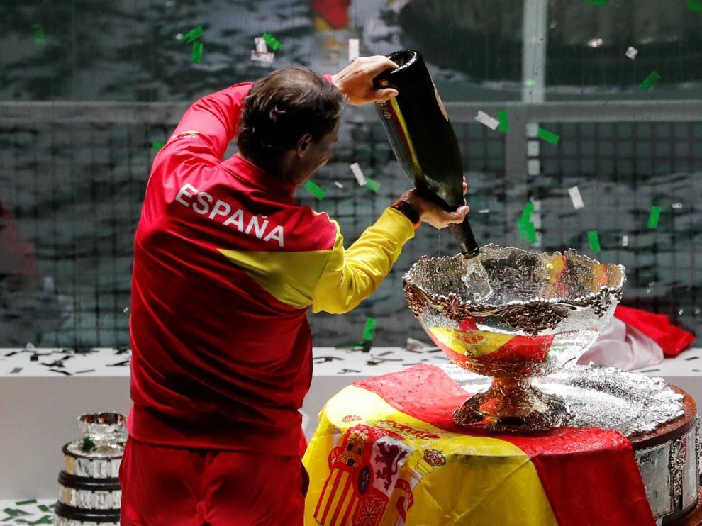 Nadal celebra el triunfo en la Copa Davis.