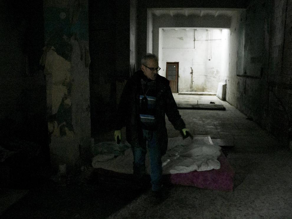 Juan Carlos Gaspar se ha instalado en los bajos del edificio de la avenida de Goya 91, en el local que hace años ocupaba una pescadería.