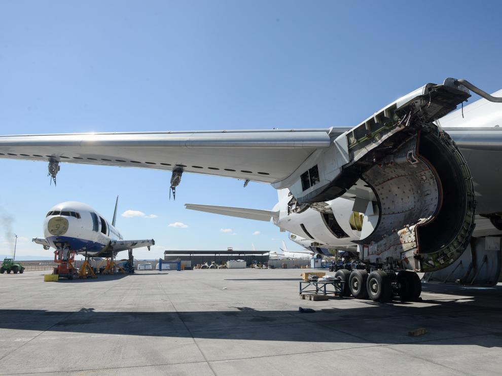 Reciclaje de aviones de TARMAC en elm aeropuerto de Teruel/2019-03-21/ Foto: Jorge Escudero [[[FOTOGRAFOS]]]