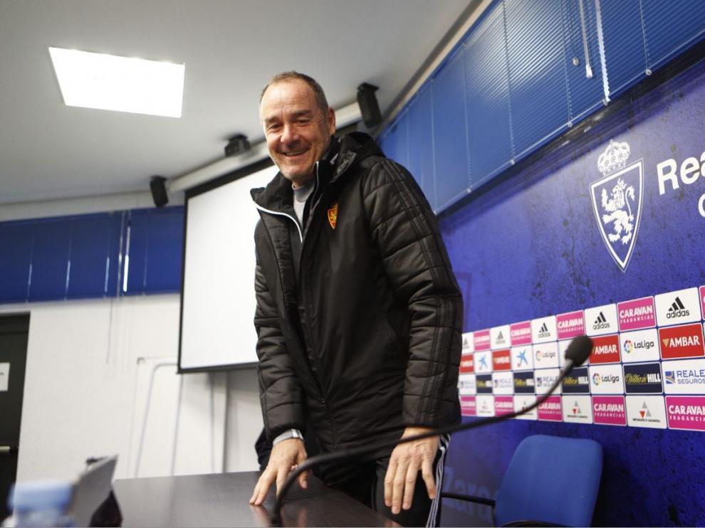 Víctor Fernández, en la mañana de este sábado, antes de ofrecer su rueda de prensa previa al partido de Huesca.