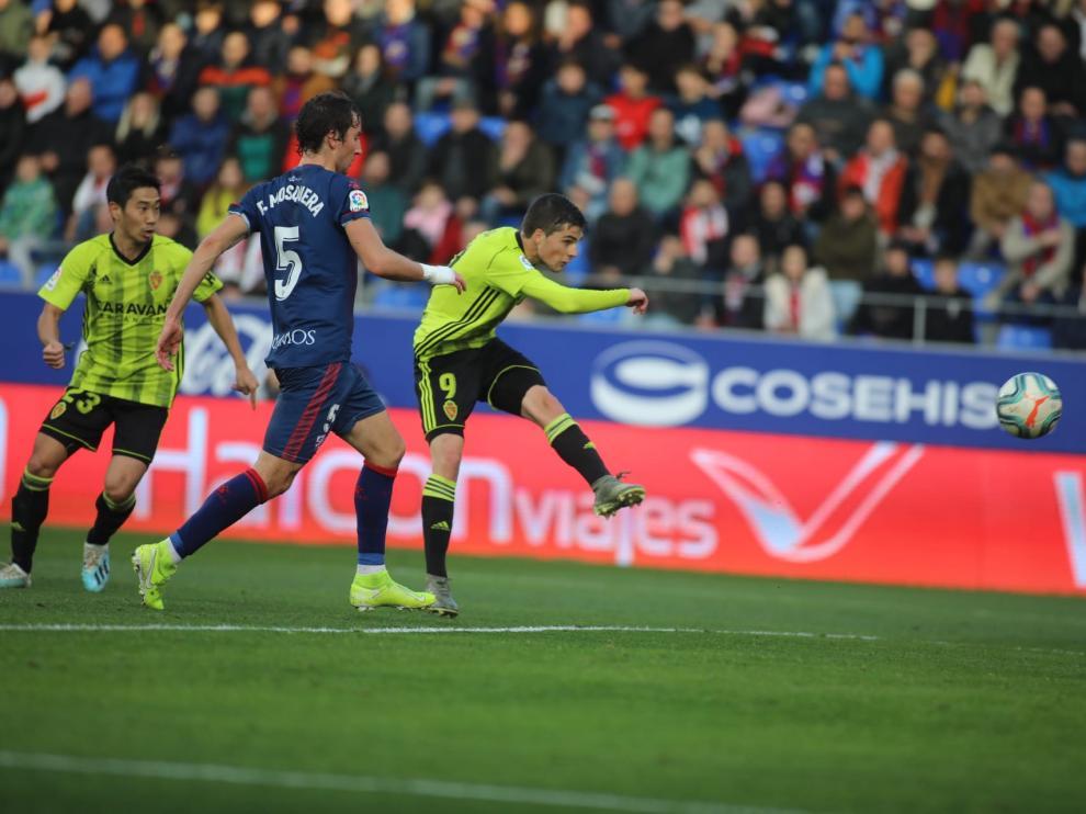 El encuentro entre la SD Huesca y el Real Zaragoza, en imágenes.