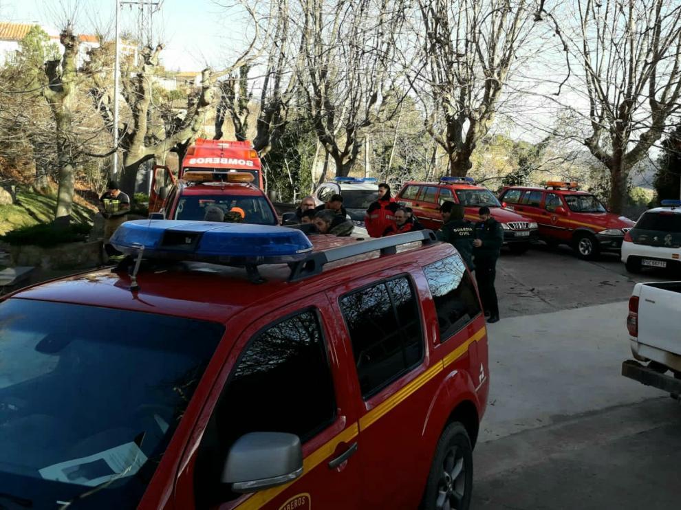 Dispositivo formado por los bomberos de la Diputación de Zaragoza, Guardia Civil y Protección Civil