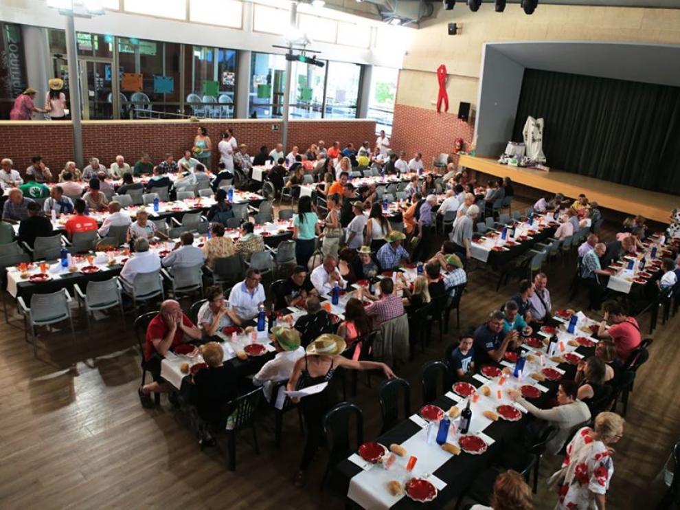 Imagen de las instalaciones de Cruz Blanca en Huesca, donde se servirá la cena solidaria.