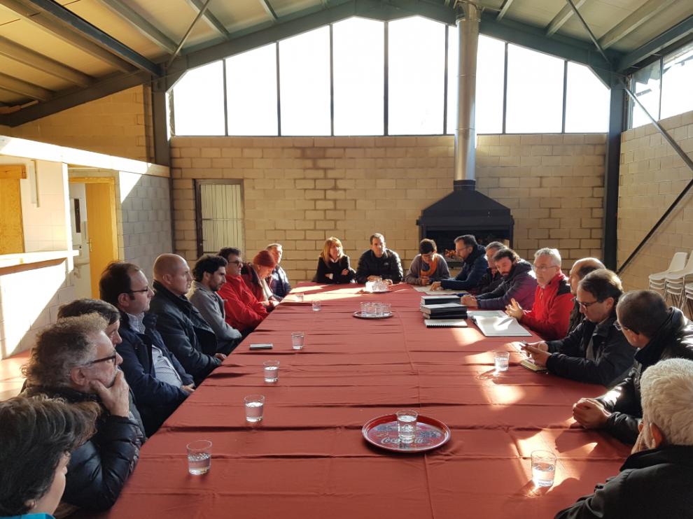 Olona presenta a los alcaldes del Parque Natural de la Sierra y los Cañones de Guara el proyecto para unir el eje norte