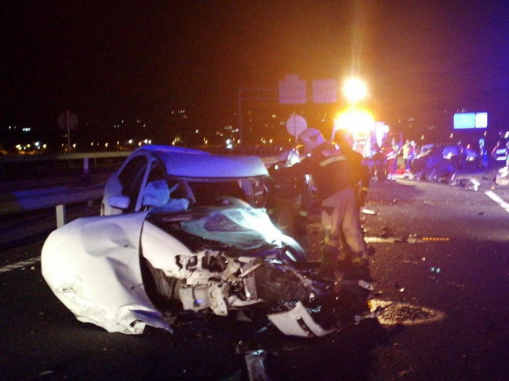 Un grave accidente en Motril (Granada) se saldó con un muerto y tres heridos.