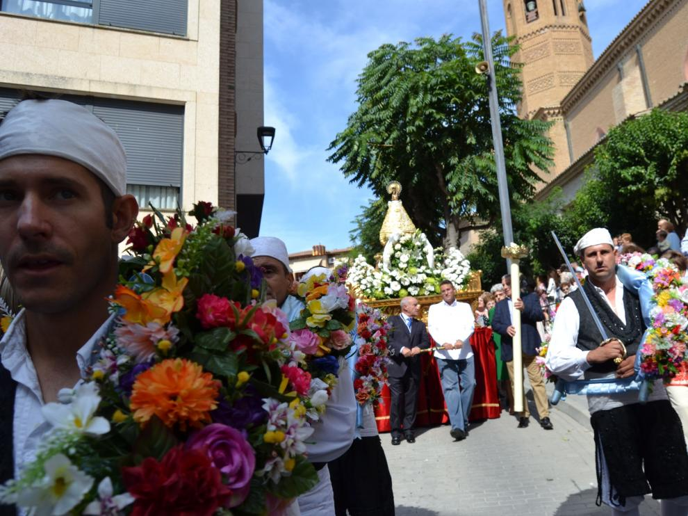 Foto de archivo de la procesión de la Virgen en las fiestas de Tauste.