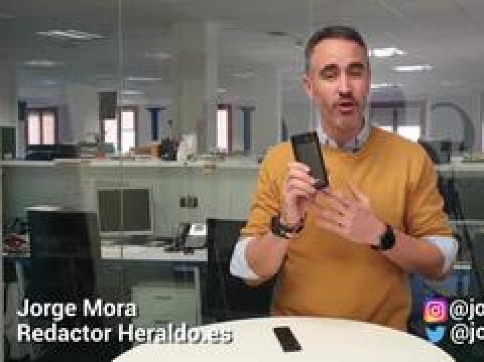 El Anker Nebula Apolo cuesta 400 euros y lleva el sistema operativo Android en el interior lo que le da acceso a Netflix, HBO, YouTube o Movistar siempre que tengas un wifi a mano.