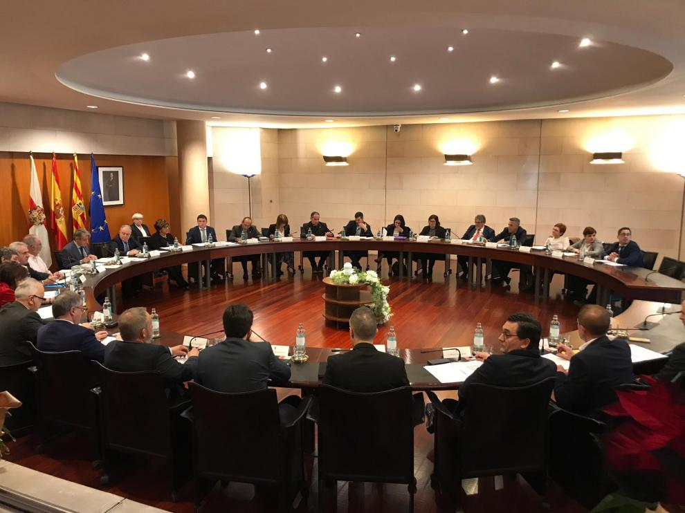 Imagen de la última sesión plenaria del año en la Diputación de Huesca.