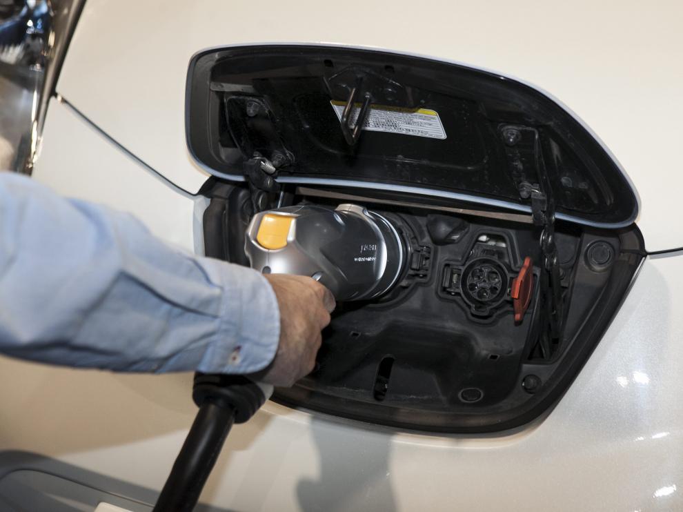 Los propios usuarios serán los encargados de recargar las baterías de los coches