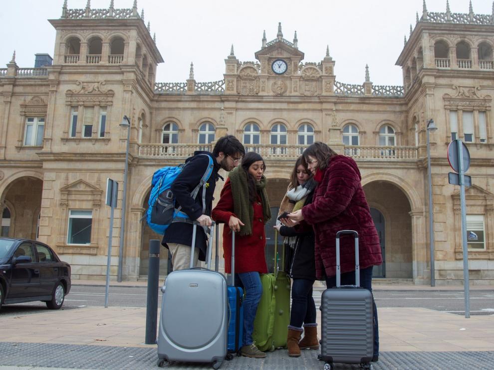Los 'hijos de la España Vaciada' piden volver a su tierra en un vídeo viral.