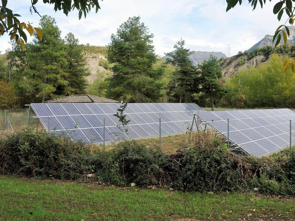 Placas solares, uno de los sistemas de ahorro energético.