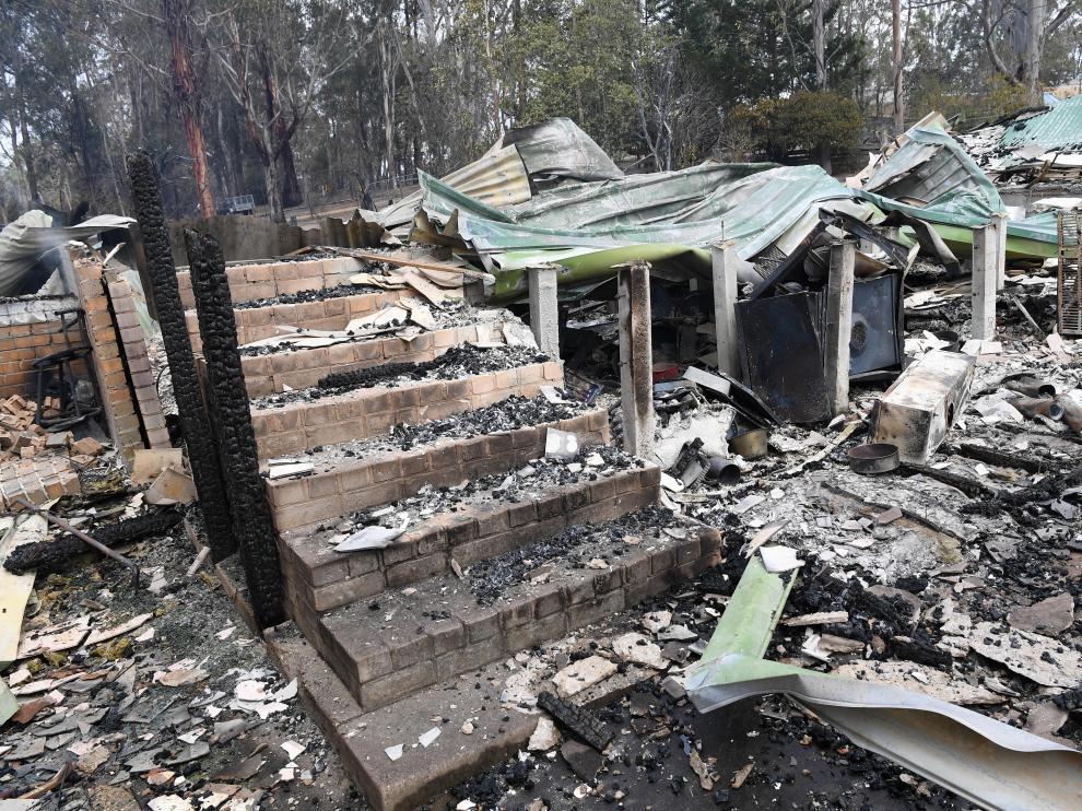 Restos de un domicilio arrasado por el fuego en Sarsfield