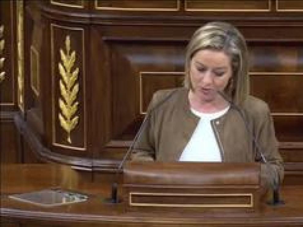 La diputada de Coalición Canaria abandona la posición de la abstención que había decidido previamente
