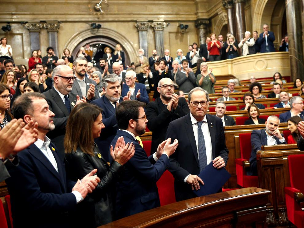 Aplausos para Torra desde los grupos soberanistas en el Parlament