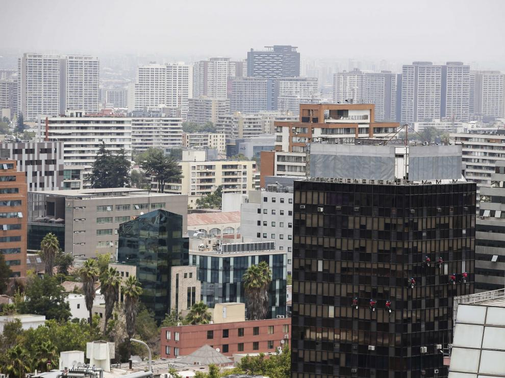 Humo sobre Santiago de Chile