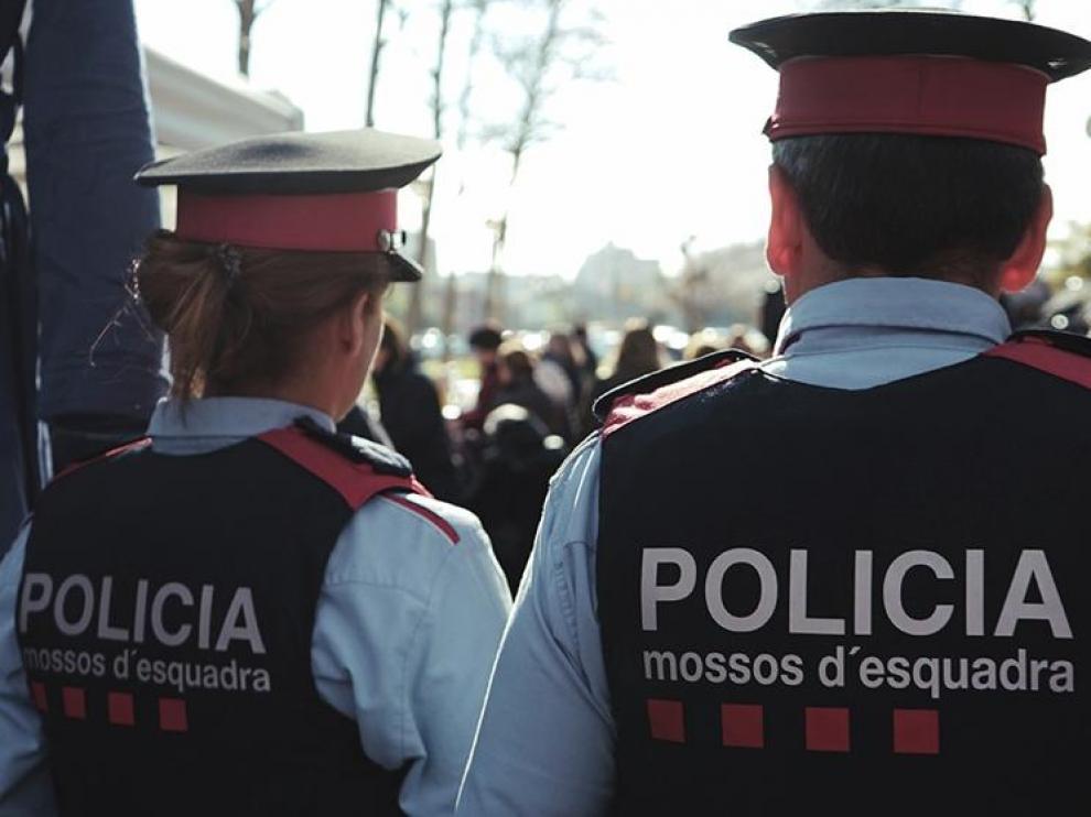 Imagen de archivo de dos Mossos d'Esquadra.
