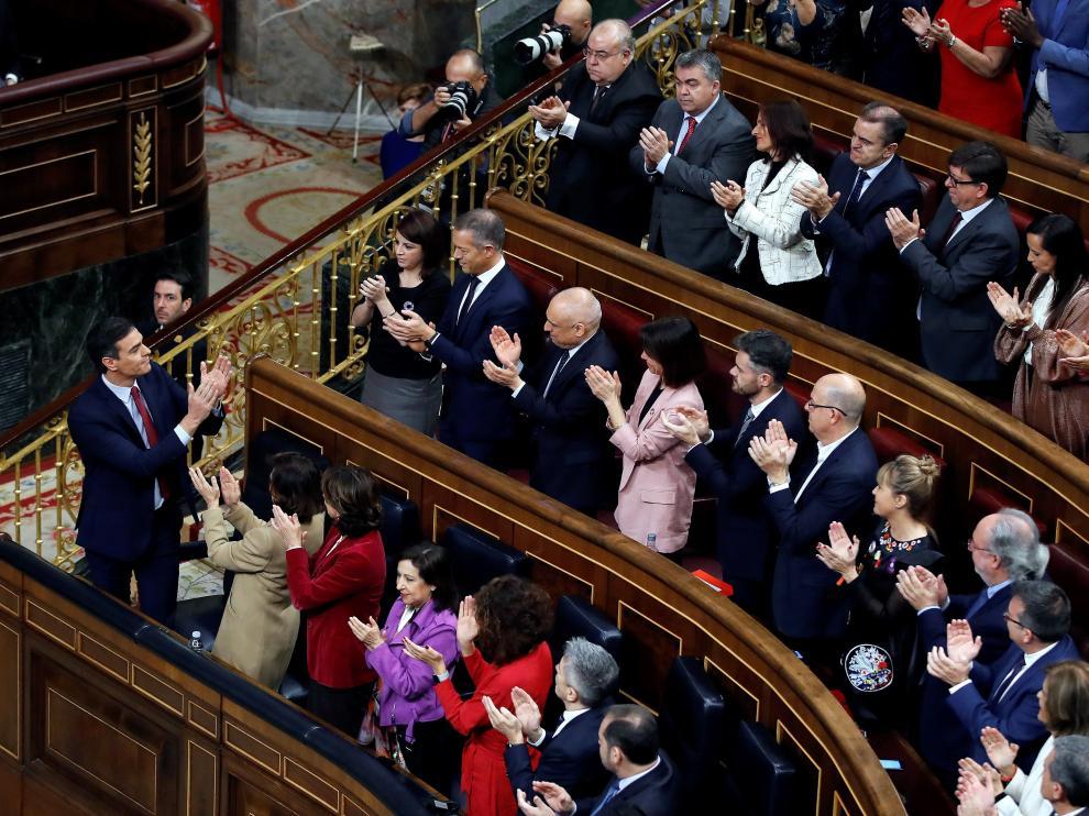 Imágenes del tercer pleno de investidura de Pedro Sánchez, que se somete a una segunda votación este martes para alcanzar la presidencia del Gobierno de España.
