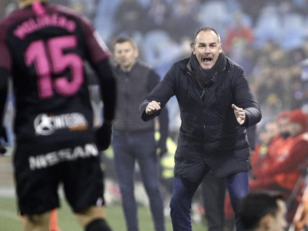 Víctor Fernández, durante el partido de este martes ante el Sporting.