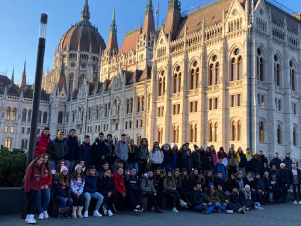 'Destino Budapest' lo componen 68 jóvenes de ocho localidades de la comarca